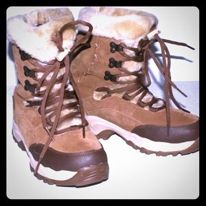 NEW Hi- Tech St. Moritz Lite Thinsulate  Boots: 9